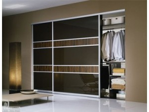 Шкаф-купе двери декоративные зеркала и окрашенные стекла